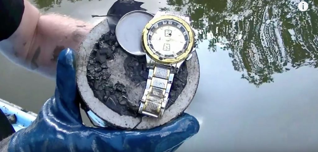 YouTube – Magnet fishing 4 (magneetvissen) See what Robin has found